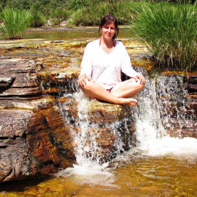 Kátia na Cachoeira